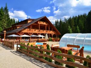Ondrášův dvůr - hotely, pensiony | hportal.cz