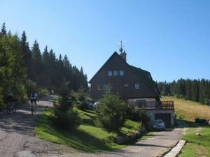 Bouda Mulda - FTVS UK - hotely, pensiony   hportal.cz